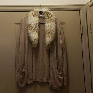 Cardigan sweater faux fur collar